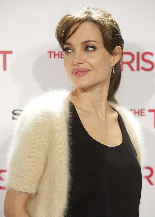 angelina jolie hairstyles in the tourist. Labels: Angelina Jolie, Red