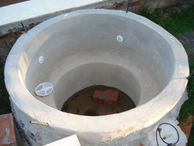 The jacuzzi in concrete for ever no for Diy concrete bathtub