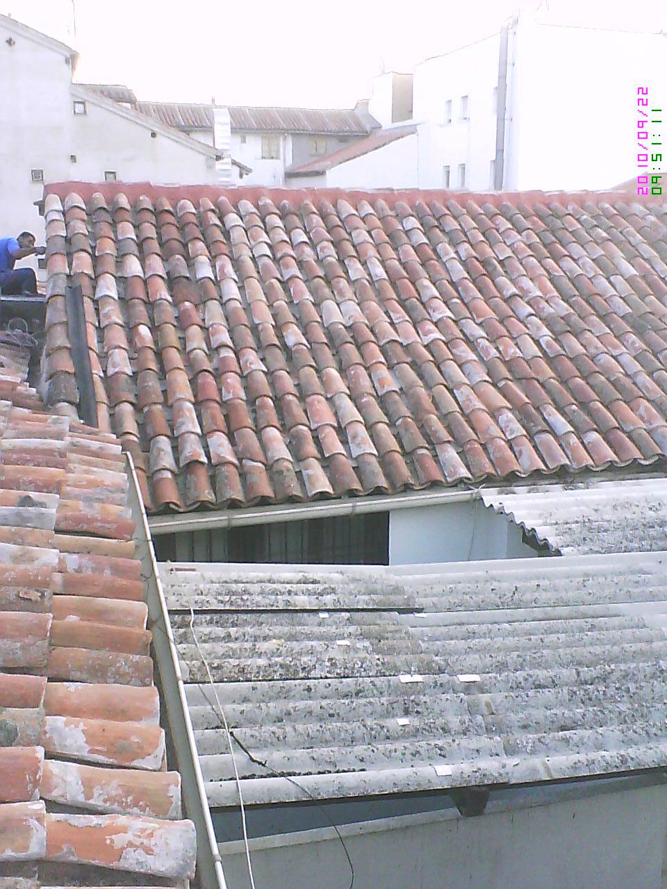 Fotos tejados impermeabilizados y tejados reparados for Tejados de madera y teja