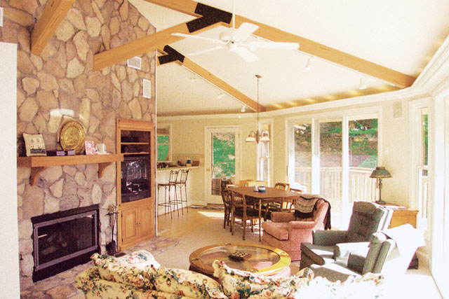 Topsider homes piling pier and stilt foundation houses for Stilt house foundation
