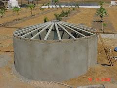 Os caibros da cobertura da cisterna