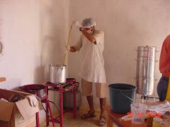 O cozimento do doce de imbu