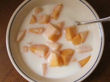 Yogurt & cantaloupe