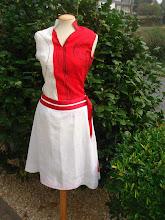 Top lino estampado rojo y falda lino liso cintas