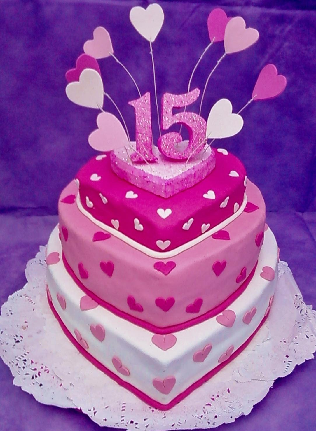 Nuevas Tendencias en Decoración de Tortas: Tortas de 15 Años