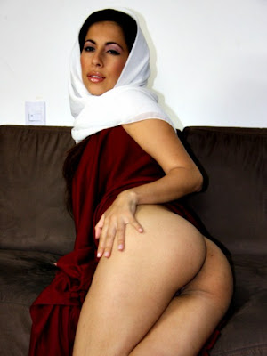 Arab group sexy woman vibrator damage
