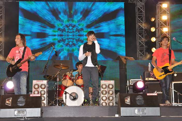 Power Station and Singer Tank Performing in Malaysia