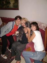 LAS RESCATISTAS DE THEO, Lucy y Florencia