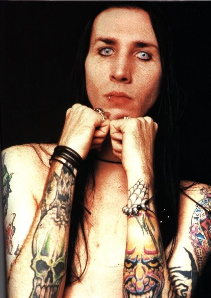 marilyn manson no makeup 2010. pictures of marilyn manson