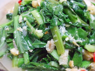 Stirfry Kailan with Salted Fish