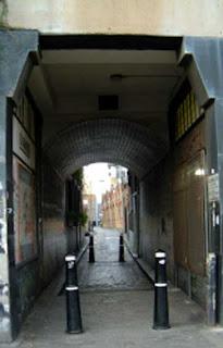 http://1.bp.blogspot.com/_ETUZocD5d4U/SYP3dJObFaI/AAAAAAAAADg/G7nUfmYorYU/s320/gunthorpe-street.jpg