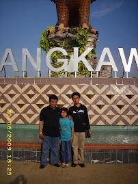 Gambar anak dan suami diLangkawi