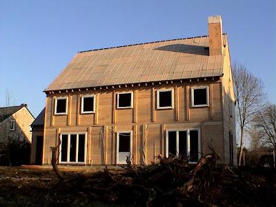 mi casa la maison de nos reves 17 12 2007 troisieme et dernier jour du montage. Black Bedroom Furniture Sets. Home Design Ideas