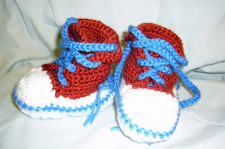 crocheting booties that look like chuck taylors? White Sox