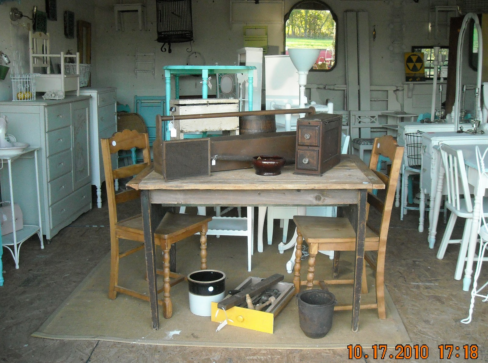 The Vintage Barn: Old Farm Table