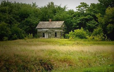 ></a><br>Si deseas ver todas las <b>fotografias de casas abandonadas</b>, <a href=