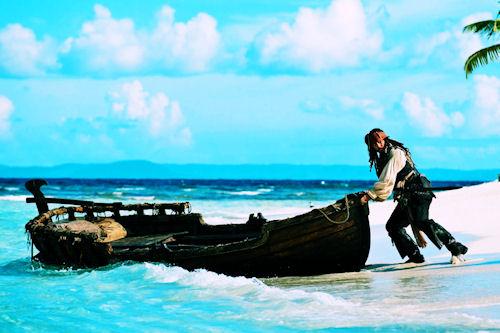 Jack Sparrow y su canoa de los Piratas de Caribe