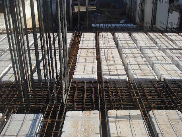 Edificio cerbell preparativos para el llenado de losas - Losas de piso exterior ...