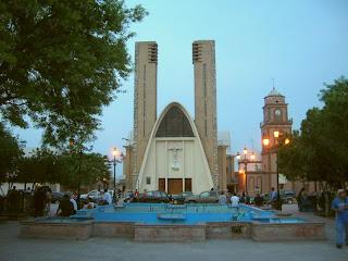 Parroquia de Nstra. Sra. de Guadalupe y Plaza Principal Reynosa