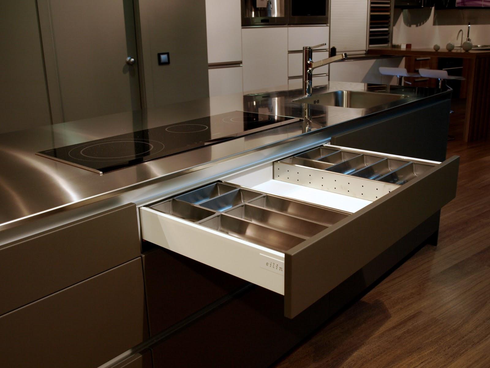 Espai decuina ripollet barcelona mobiliario cocina eilin for Mobiliario cocina