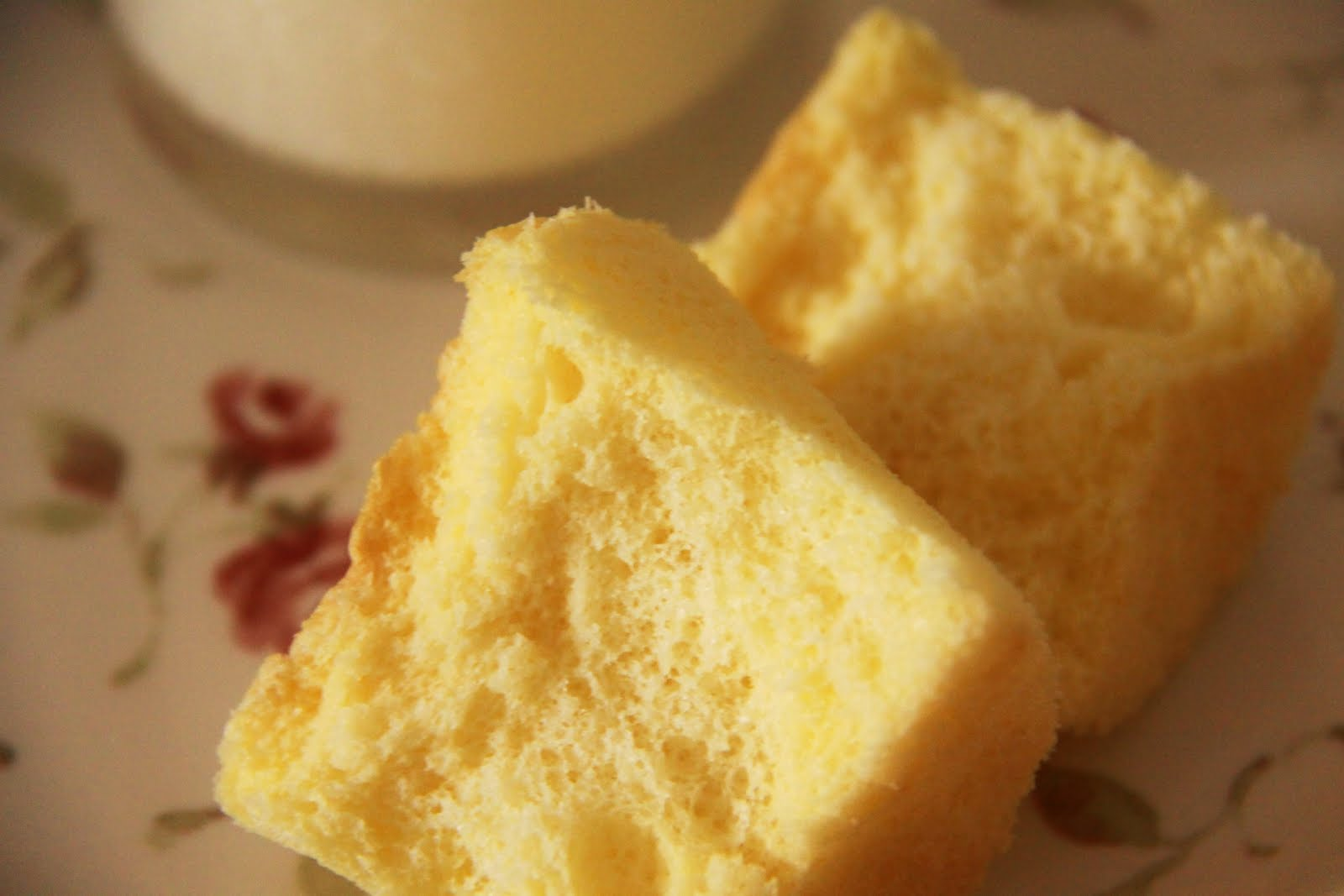 Fluffy Sponge Cake Fold Egg White