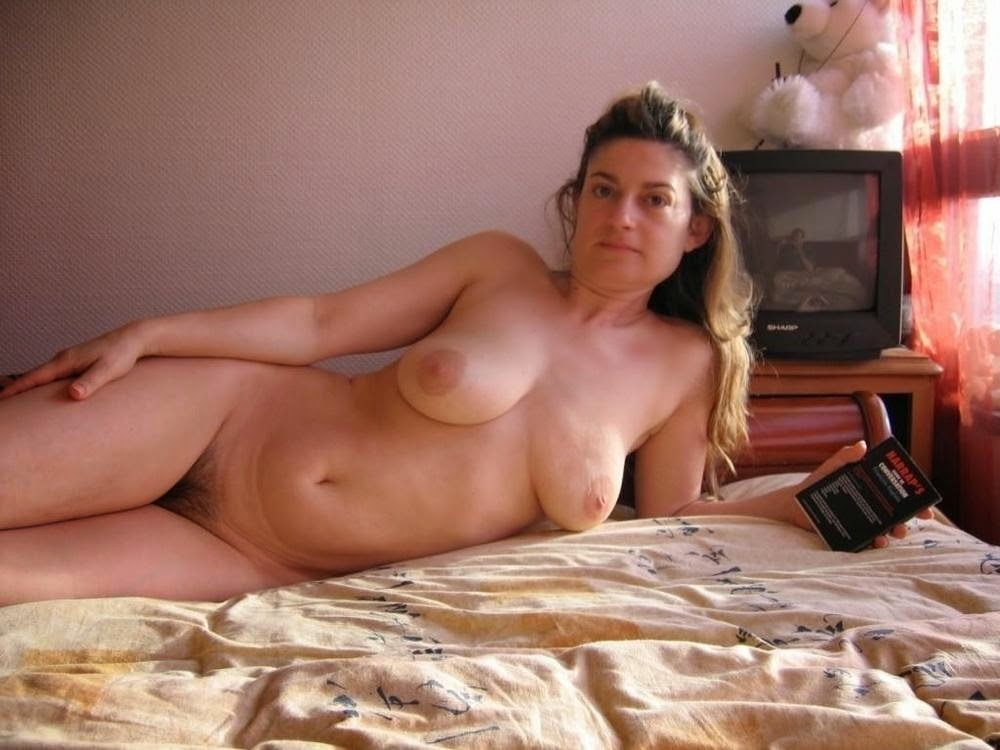 Hot Nude Cougar Naked