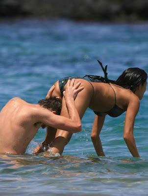 nicole-scherzinger-bikini02.jpg