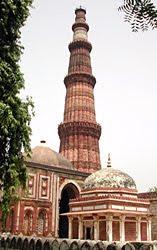 Delhi-famous-places-Qutub-Minar