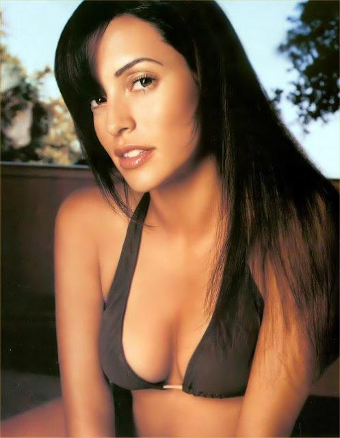 This week's GOTW is Emmanuelle Vaugier. I realize she is similar to last ...