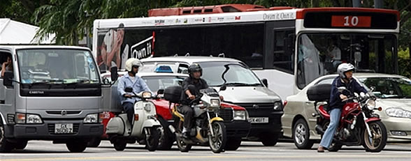 588afp_singaporetraffic.jpg