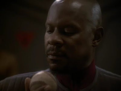 Star+Trek+DS9+-+6x06+-+Sacrifice+of+Angels+%5BNiteShdw+170mb%5D.avi+-+00005.bmp