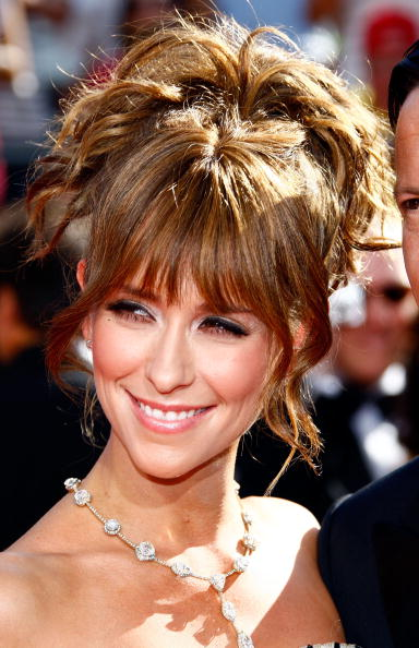 This is a very nice, loose updo hairstyle with the front strands left loose