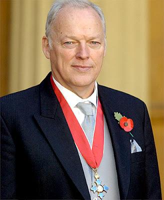 Charlie Gilmour fait des siennes David_gilmour_CBE