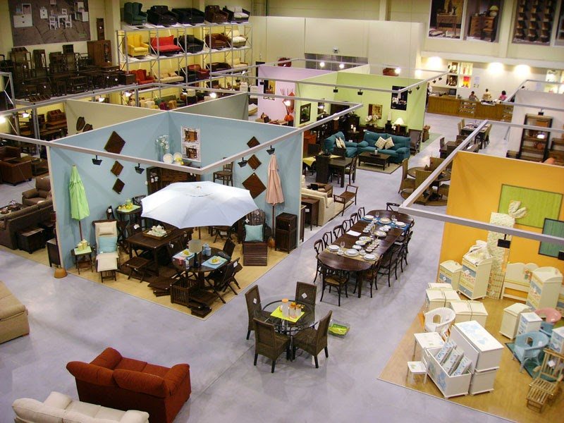 Shopper in the city beauty cosmetics and trends for Portico muebles