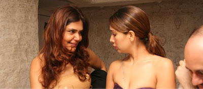 Stunning hot eye candy hot shots of Kim Sharma and Sophie
