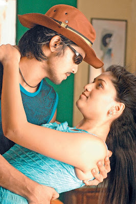 Sun Pictures release of Nakhul starrer 'Kadhalil Vizhunthen' Kollywood Movie
