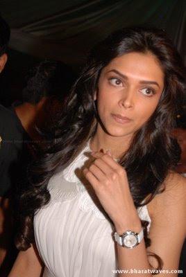 Bollywood Actress Deepika Padukone Stills in Kelvinator Awards