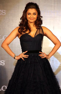 Aishwarya Rai has signed movies with filmmakers Vishal Bhardwaj, Rituparno Ghosh, Abhinay Deo and Vipul Shah