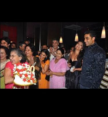 Aishwarya Rai Bachcan & family at yesteryear actress Shammi's 80th birthday bash