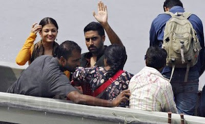Bollywood Actress Aishwarya Rai & Actor Abhishek at Mani Ratnam's Ravana film shooting stills