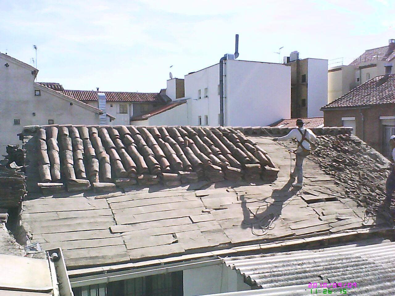 Fotos de reparaci n de tejado tejados y cubiertas naves - Cubiertas de tejados ...