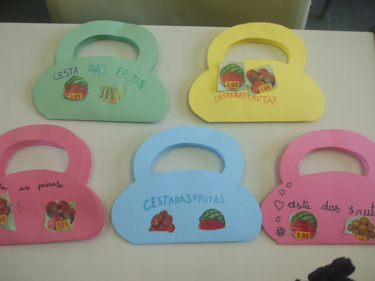Atividade das cestas com frutas - alimentos saudáveis - 20-10-10