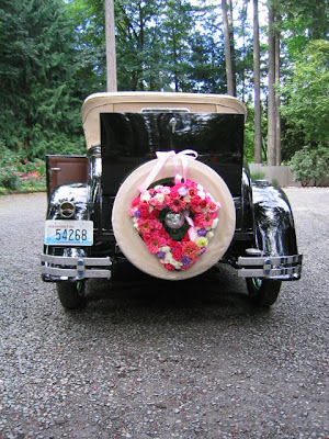 flowers for a vintage car at Kiana lodge.
