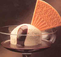 Gräddglass med chokladsås