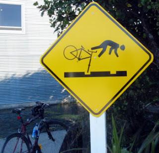 http://markbernstein.org/Apr0601/Signage.html