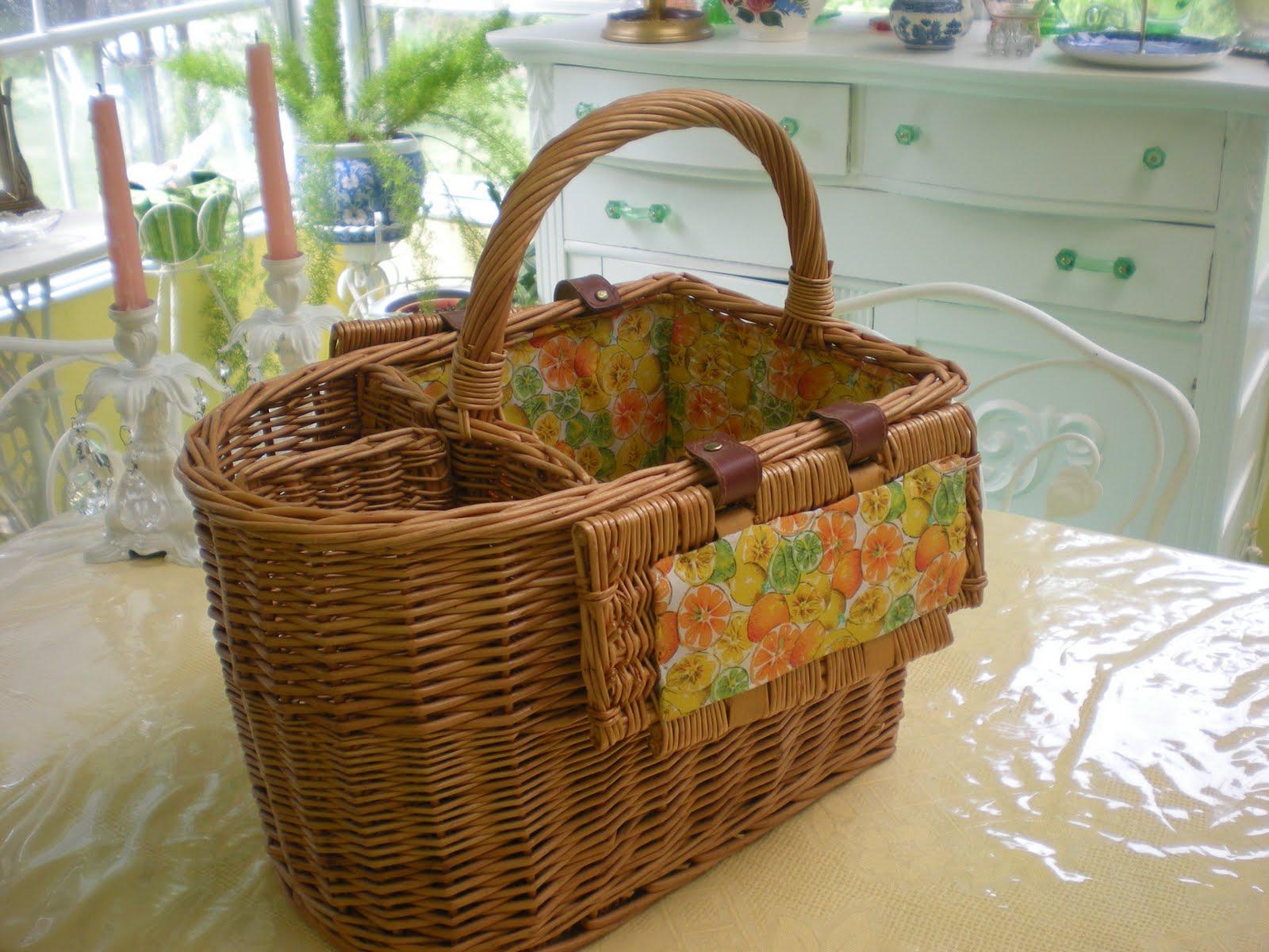Woven Basket Procedure : Laura s rose garden revamping an old wicker picnic basket