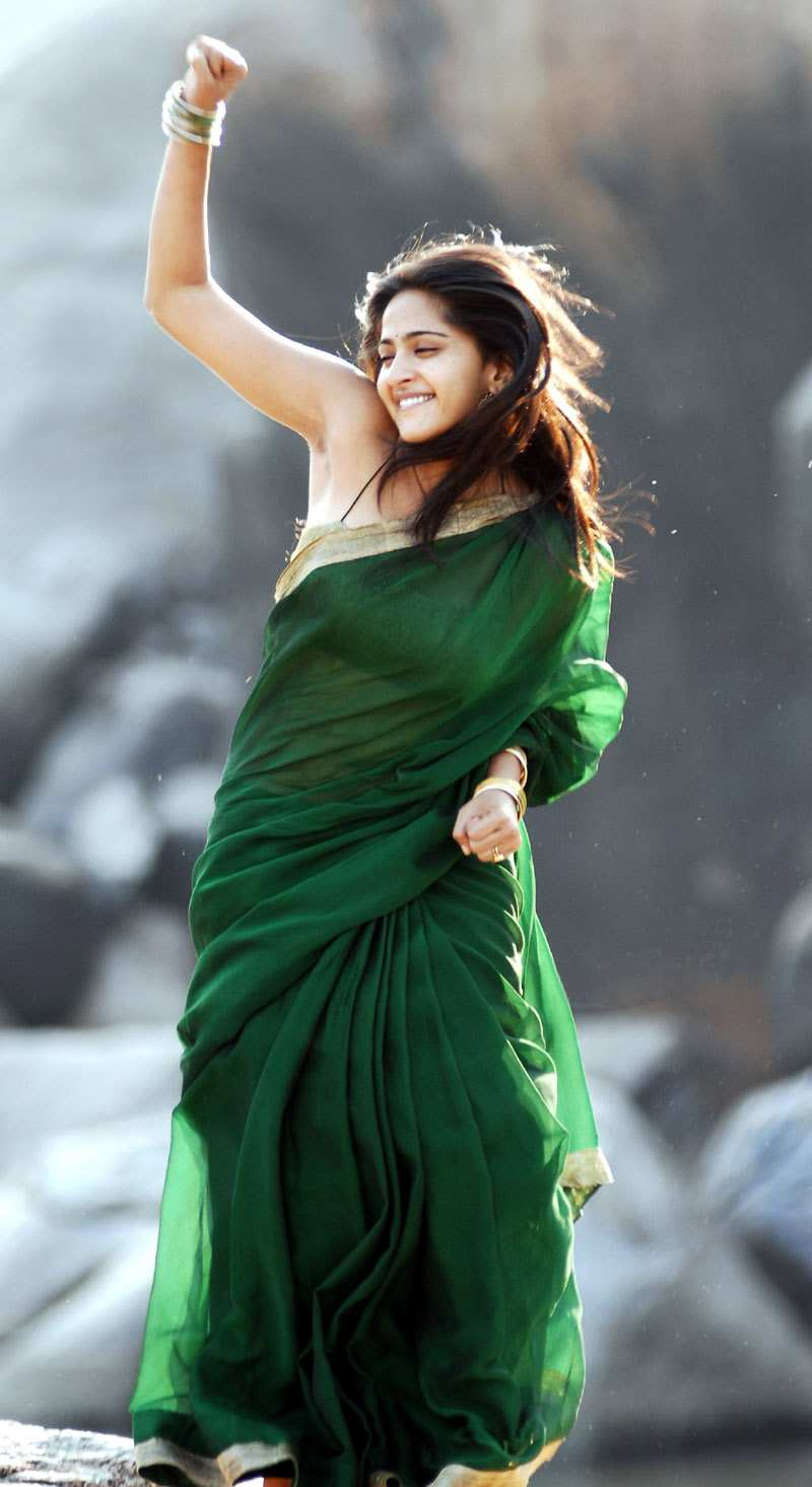 ... Anushka Shetty Green Saree Blouse Navel Show | Movie Poster - Movie