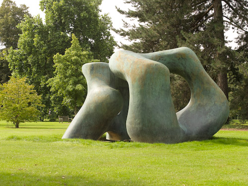Paisajismo pueblos y jardines esculturas de henry moore - Esculturas para jardines ...