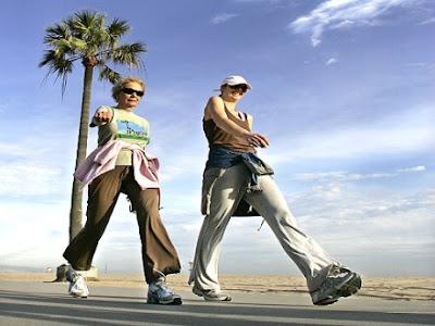 Yürüyüş yaparken vücudunuz da çalışsın