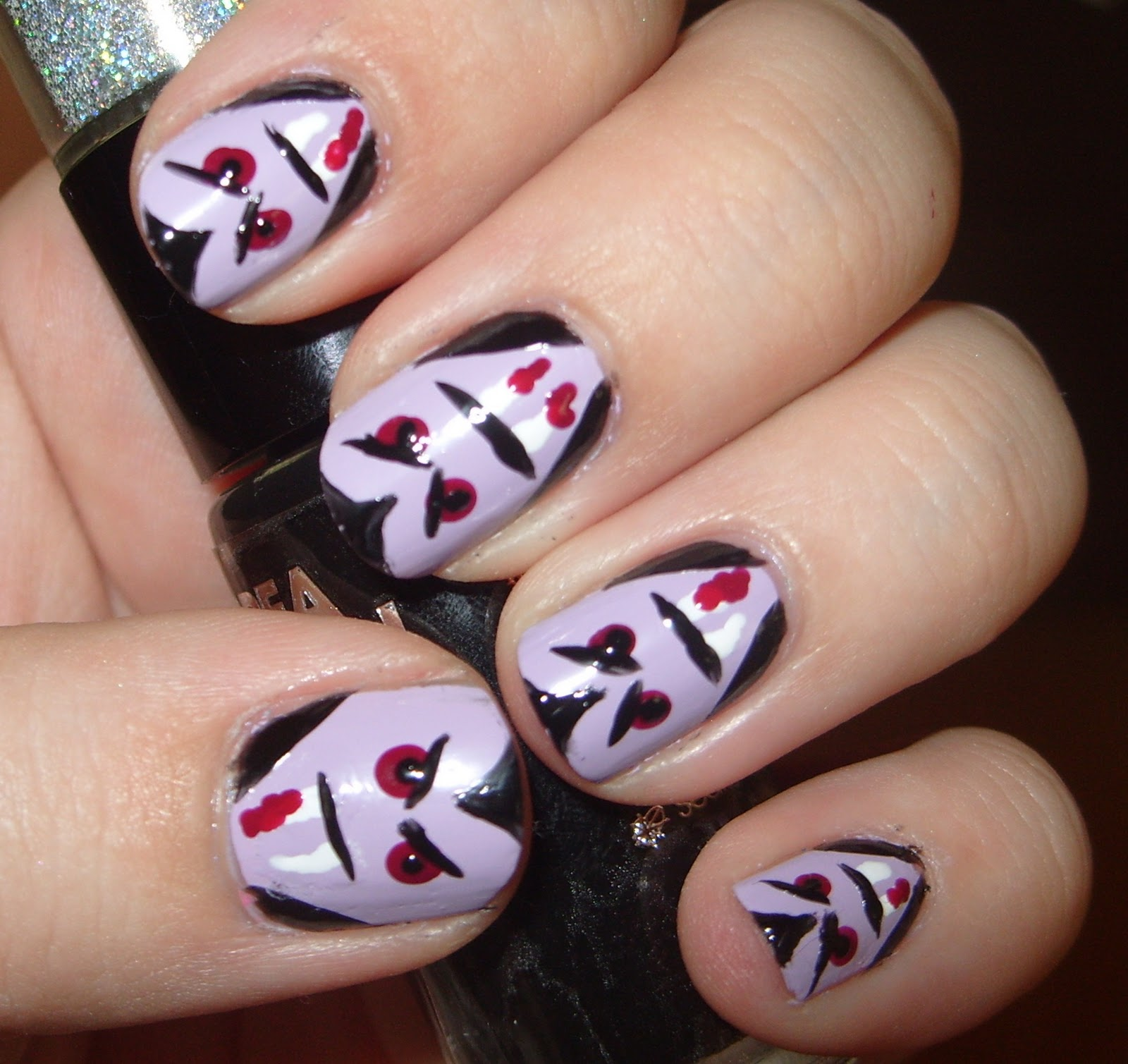sharihearts: Halloween Cartoon Vampire Nail Art